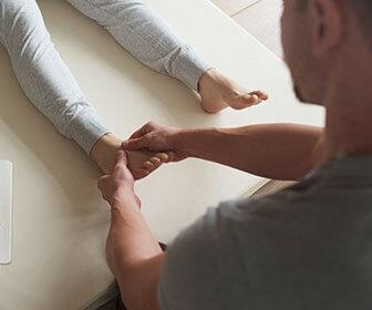 ademas-de-seguir-con-las-indicaciones-del-medico-una-vez-realizada-la-consulta-se-recomienda-a-los-padres-ayudar-al-tratamiento